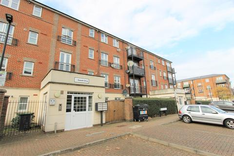 2 bedroom flat - Gareth Drive, London, N9
