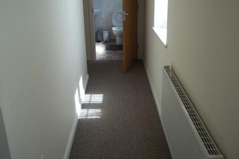 2 bedroom flat to rent - Thistle Drive, Desborough, Kettering NN14