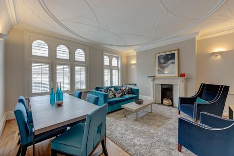 3 bedroom flat for sale - Old Court House, 24 Old Court Place, London, W8