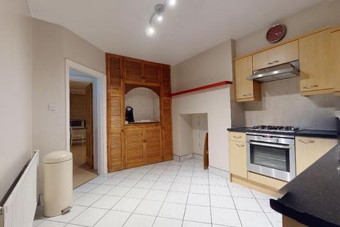 2 bedroom flat to rent - Streatham, SW16