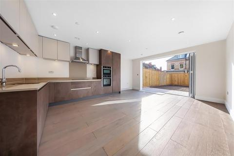 4 bedroom terraced house for sale - Kingston Upon Thames, KT2