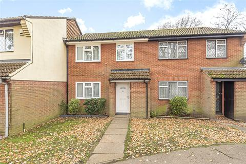 3 bedroom terraced house for sale - Brambles Farm Drive, Uxbridge, UB10