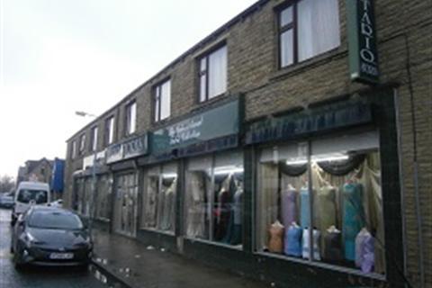 Property to rent - Woodhead Road, Bradford, BD7 2BL