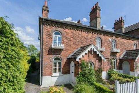 2 bedroom cottage to rent - East Common, Gerrards Cross