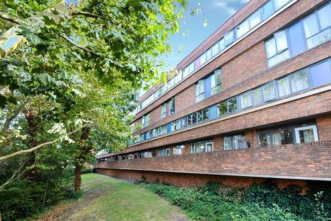 3 bedroom flat for sale - Copley Close, Hanwell