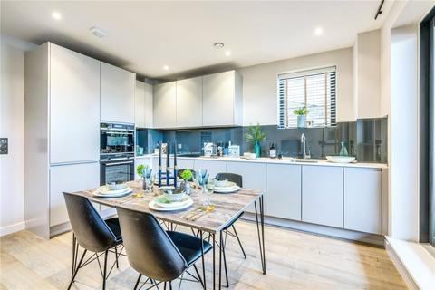 2 bedroom flat - Leaden Hill, Coulsdon, Surrey, CR5