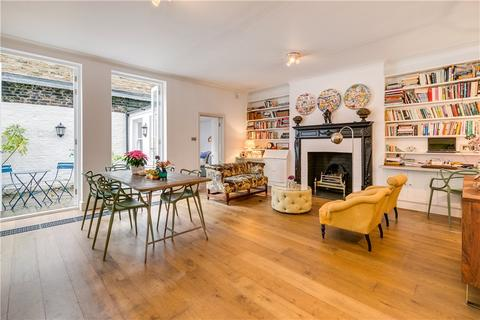 3 bedroom house for sale - Courtfield Gardens, London, SW5