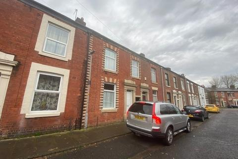 3 bedroom terraced house to rent - Tyne Street,  Preston, PR1