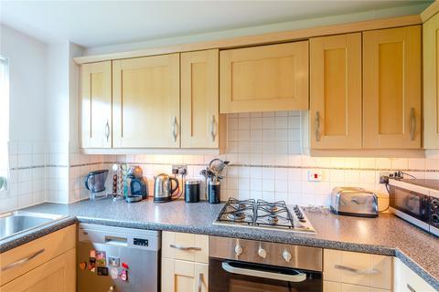2 bedroom apartment for sale - Cobham Close, Enfield, London, EN1