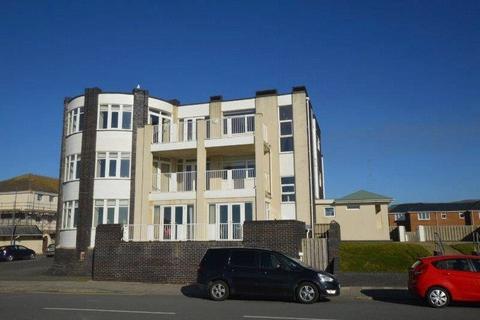 2 bedroom flat to rent - Corbett Avenue, Tywyn, Gwynedd, LL36
