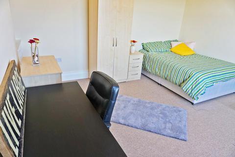 5 bedroom house to rent - Terrace Road, Mount Pleasant, Swansea