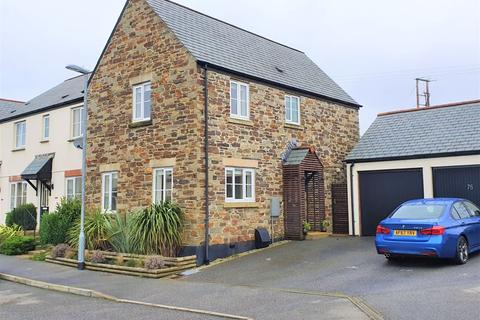 3 bedroom house for sale - Gwithian Road, St. Austell