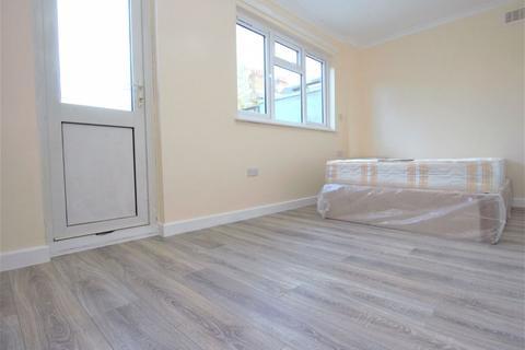 1 bedroom flat to rent - Lakefield Road, Turnpike Lane / Wood Green N22