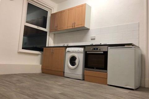 1 bedroom apartment to rent - Wellington Road North, Heaton Chapel, SK4 2QN