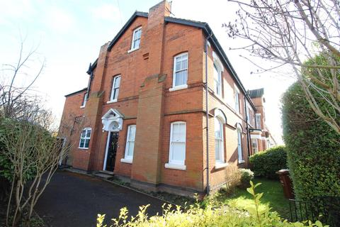6 bedroom detached house to rent - Park Road, Loughborough