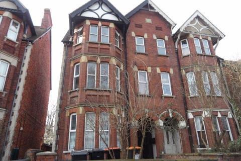 2 bedroom flat to rent - Clapham Road, Bedford - Ref P9609