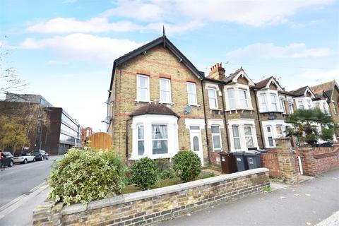 3 bedroom flat to rent - Montague Road, Hounslow