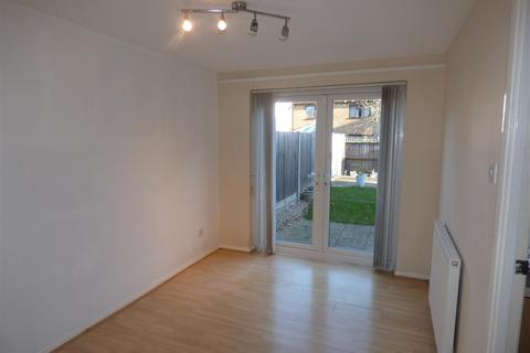 3 bedroom semi-detached house to rent - Homestead, Ashford