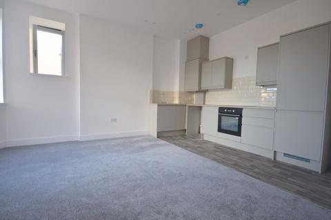 2 bedroom flat to rent - Westcliff House, Sea Road, Westgate, CT8 8FJ