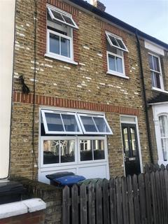 4 bedroom terraced house to rent - Holly Road, Enfield