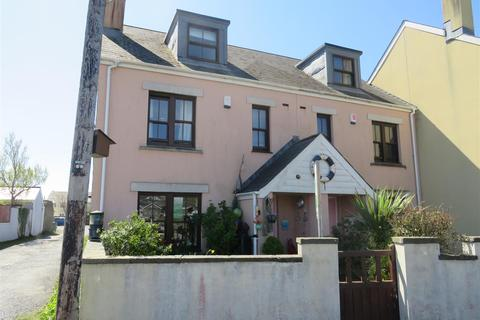 4 bedroom townhouse for sale - Chandlers Yard, Burry Port
