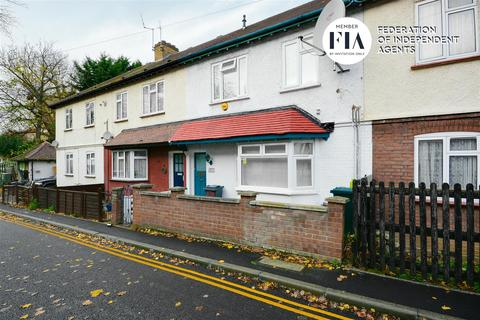 3 bedroom house for sale - Lionel Road North, Brentford
