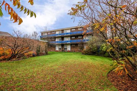 1 bedroom flat for sale - Belsay Gardens, Fawdon, NE3