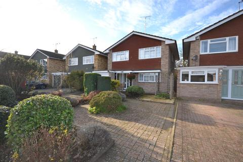 4 bedroom detached house to rent - Glebe Way, Burnham-On-Crouch