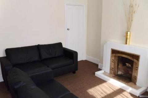 4 bedroom house - North Parade, Lincoln