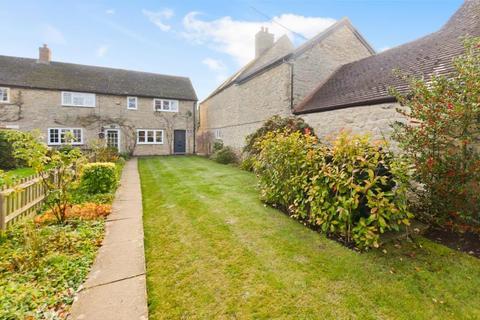 2 bedroom cottage for sale - Station Road, Blackthorn, Bicester