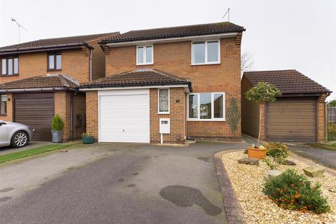 3 bedroom house for sale - Cardinal Hinsley Close, Newark