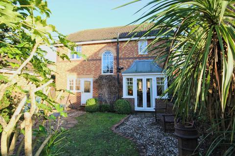 3 bedroom detached house - Marsh Drive, Beverley