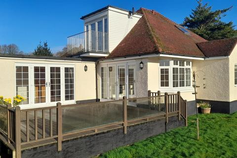 3 bedroom bungalow for sale - Mayfair, Tiverton