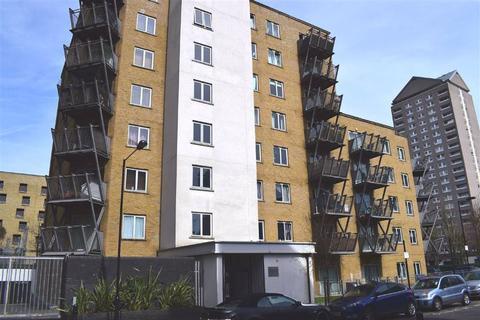 3 bedroom flat to rent - Hutchings Street, Canary Wharf, London, E14