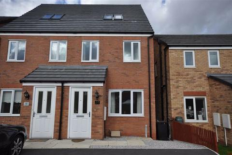 3 bedroom townhouse to rent - Gadwall Croft, Newcastle-Under-Lyme
