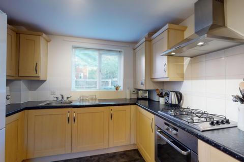 2 bedroom apartment - Edward Vinson Drive, Faversham