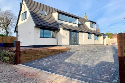 4 bedroom detached house - Norton Lane, Stoke-on-Trent ST6 8BY