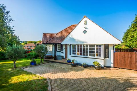 3 bedroom detached bungalow for sale - South Weald Road, Brentwood, Essex, CM14