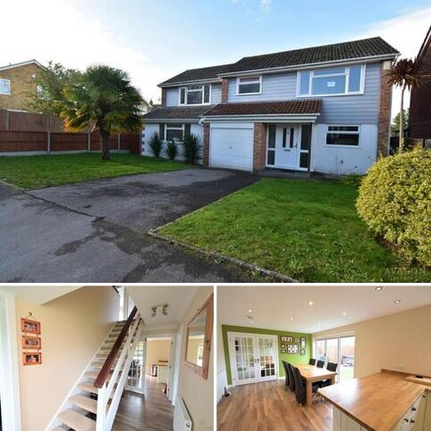 4 bedroom detached house for sale - BH22