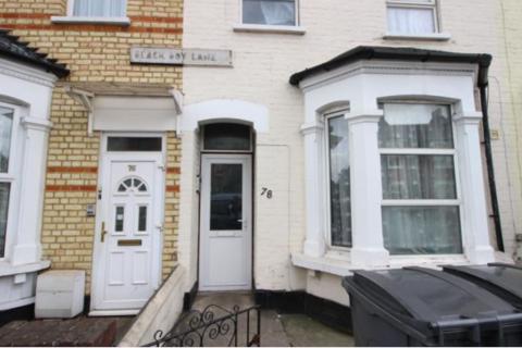 Studio to rent - Flat ,  Black Boy Lane, London