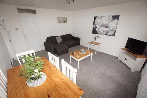 2 bedroom flat to rent - Melton Drive, Edgbaston, Birmingham, B15