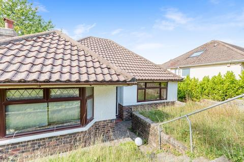 2 bedroom bungalow for sale - Plymouth Avenue, Brighton, East Sussex, BN2