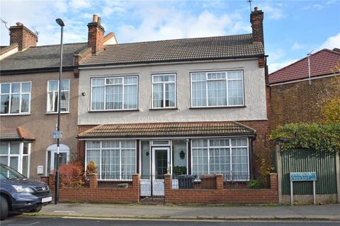 3 bedroom semi-detached house for sale - Fernbrook Crescent, Hither Green, London, SE13