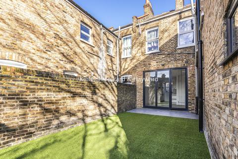 3 bedroom flat for sale - Pattenden Road, Catford