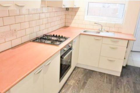 3 bedroom terraced house to rent - Victoria Road East, Leicester