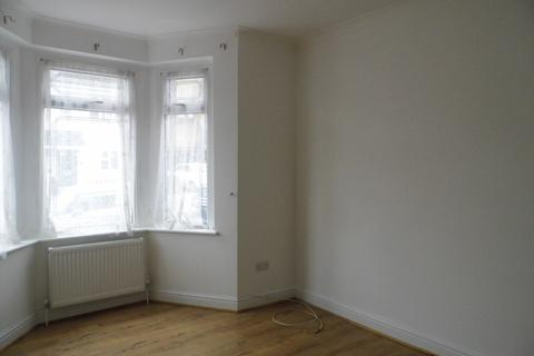 1 bedroom flat to rent - Malvern Road, romford RM11