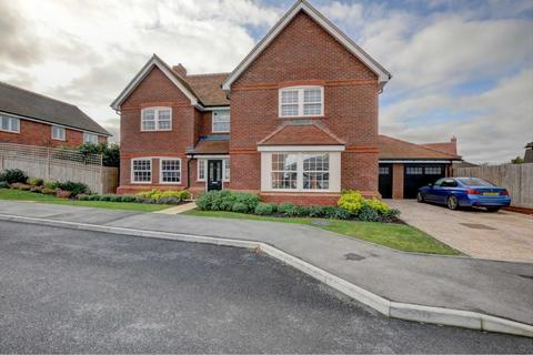 5 bedroom detached house for sale - Lummas Mead, Chinnor