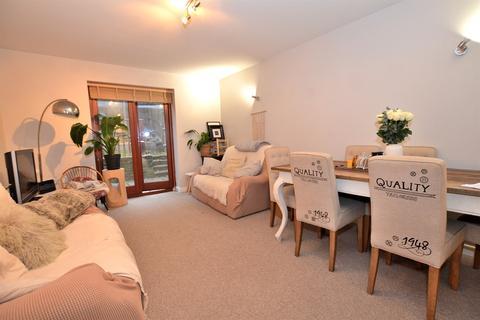3 bedroom maisonette to rent - 3 bedroom Semi Detached Maisonette in Hackney