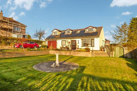 4 bedroom bungalow for sale - Delves Lane, Consett, Durham, DH8 7ER