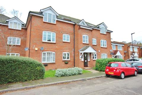 2 bedroom apartment for sale - Bankside Close, Isleworth, TW7